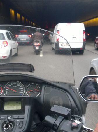 Quand-choisir-de-se-deplacer-en-Taxi-Moto-a-Paris-.jpg